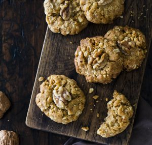Walnut oat cookies